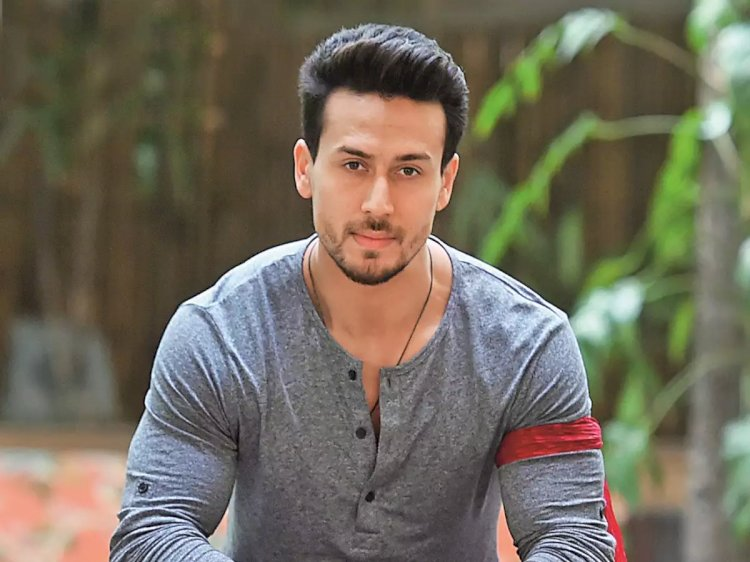Tiger shroff shared his new look on his social profile