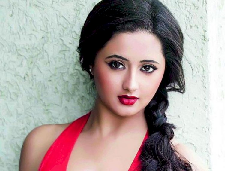 Coronavirus Lockdown: TV and Bollywood celebs are packed at home, but Rashmi Desai is in the news for these 3 reasons