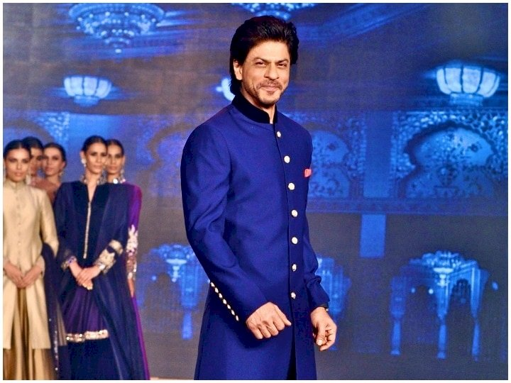 Shahrukh Khan takes so much money to perform at a wedding !!