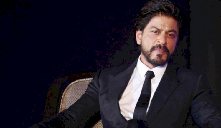 Shahrukh Khan is giving a chance to stay one night in his Delhi house